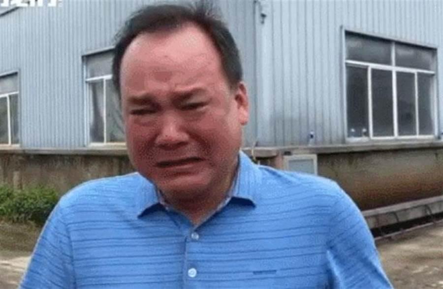 洪災浸泡3000噸茶葉,業主一夜痛失9000萬元人民幣。(圖/秒拍)