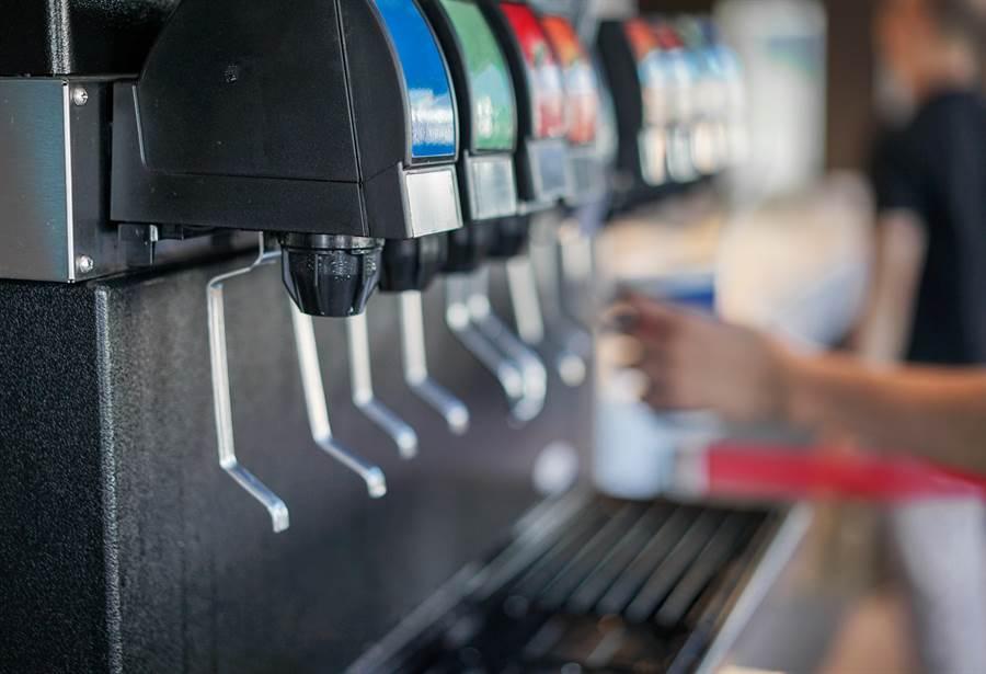 火鍋店飲料機為何沒沙士?內行揭真相(示意圖/達志影像)