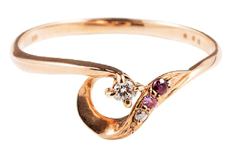 新光三越台北南西店15日起限時限量,festaria玫瑰金鑽石戒指,原價8300元,實體三倍券專屬價4150元,5折。(新光三越提供)