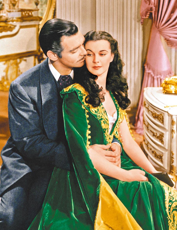 克拉克蓋博(左)與費雯麗在《亂世佳人》的愛情傳頌逾80年,也以同樣長的時間宣揚著對非裔的歧視。(資料照片)