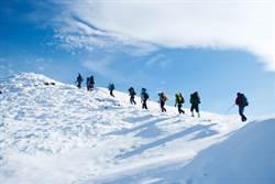 「眼球舌頭都消失」 9名登山客離奇死亡懸案終於破了!