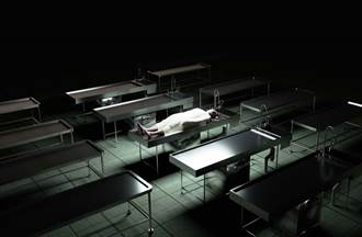 醉汉医院闹场被押进停尸间 「下场惨烈」崩溃求刑警开门!