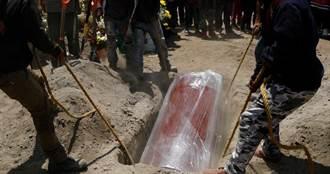 墨西哥疫情失控!首都公墓大客滿…政府開挖墳地「急趕舊客」