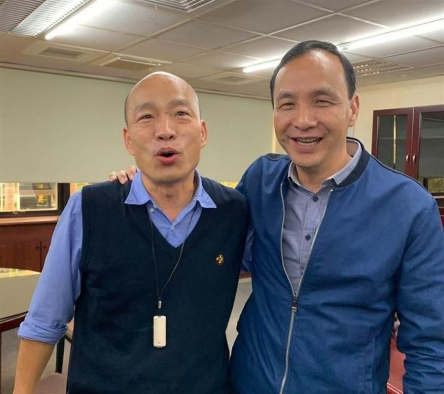 前高雄市長韓國瑜(左)、前新北市長朱立倫。(圖/翻攝 朱立倫臉書,報系資料照)