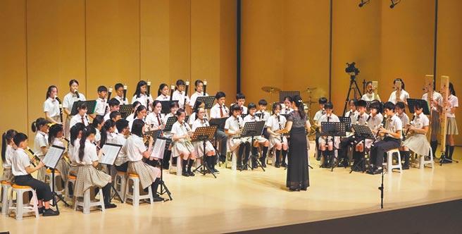 康橋國際學校新竹校區舉辦第2屆年度音樂會,由小學1年級至中學8年級共162位學生演出超過20首精彩曲目。(陳育賢攝)