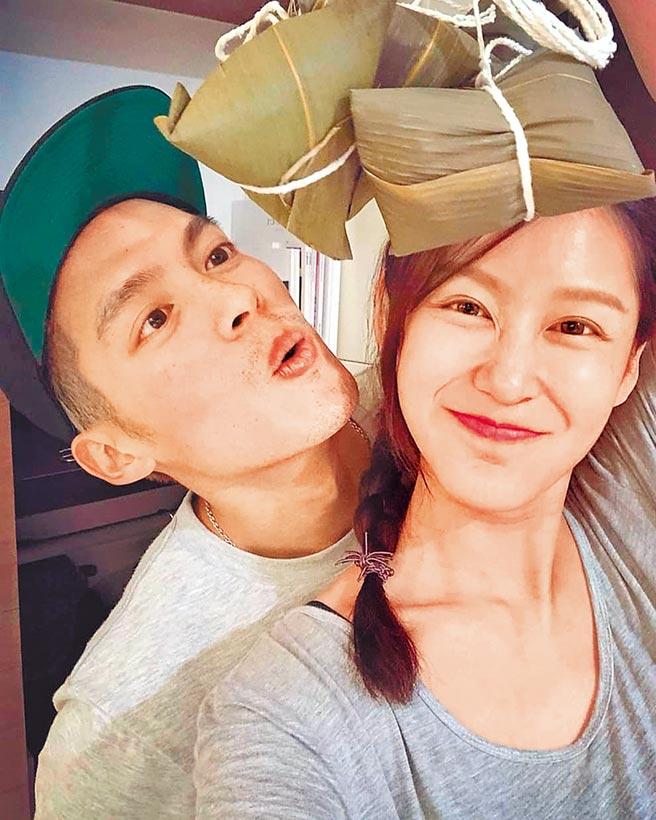 許孟哲(左)與趙孟姿婚後相當幸福。(摘自許孟哲臉書)