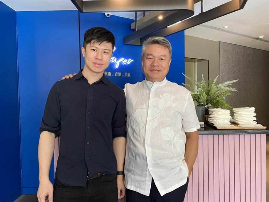 高中學爵士鋼琴、大學留日學音樂後製的洪胤翔(左),在父親支持下催生出「超藝術。好食空間」。(馮惠宜攝)