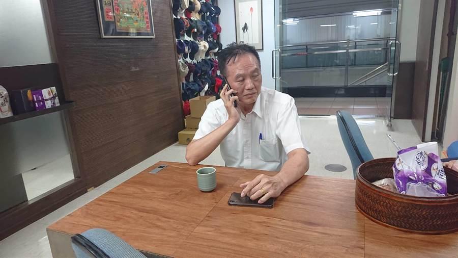 面對行政院長蘇貞昌究責,台南市警局長周幼偉趕赴市長室臉色凝重。(程炳璋攝)
