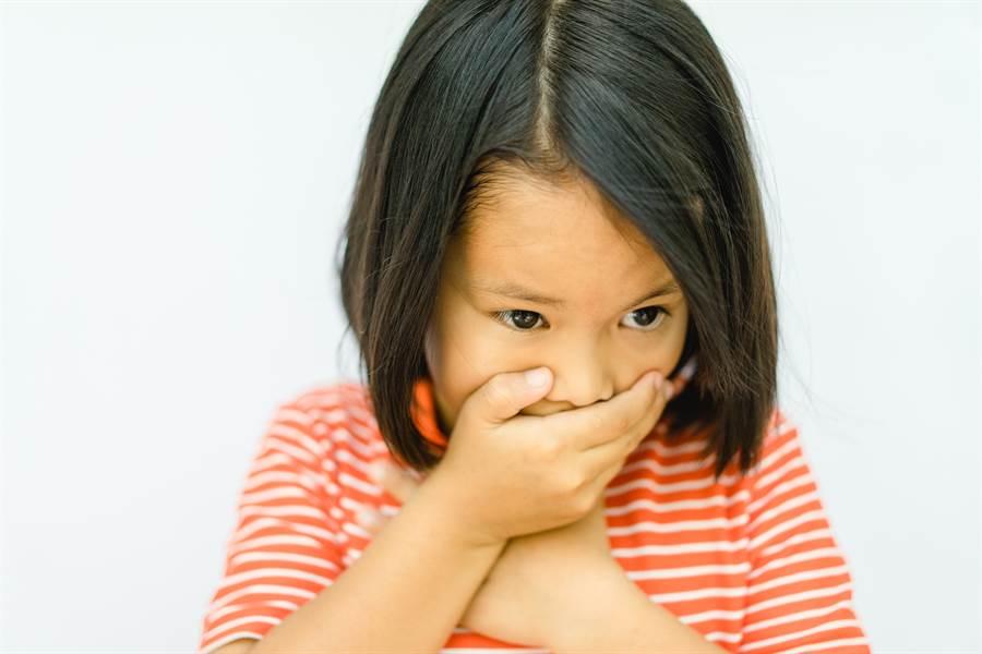 大陸1名幼教老師只因和同事意見不合,趁同事不在自己班時,對同事班級的午餐下毒,導致全班中毒1人身亡。(示意圖/達志影像/Shutterstock提供)