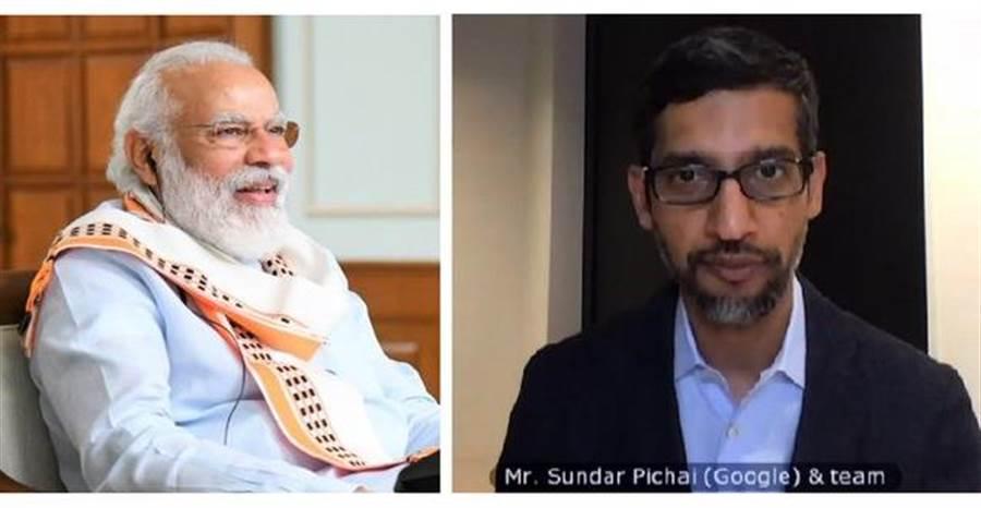 谷歌執行長皮查(右)在與印度總理穆迪(左)會談之後,透過視訊宣布谷歌將投資100億美元協助印度數位化轉型。(圖/穆迪推特@narendramodi)