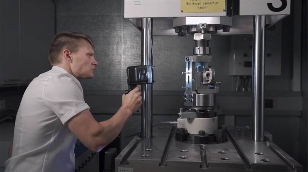 Porsche 911 GT2 RS的動力關鍵:創新的3D列印活塞