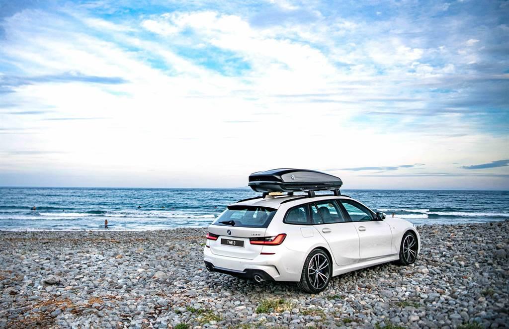 無論是海天一色的東北角濱海公路,或是鬼斧神工的中橫公路,以駕馭樂趣獨步車壇的BMW 3系列絕對是公路旅行的最佳選擇