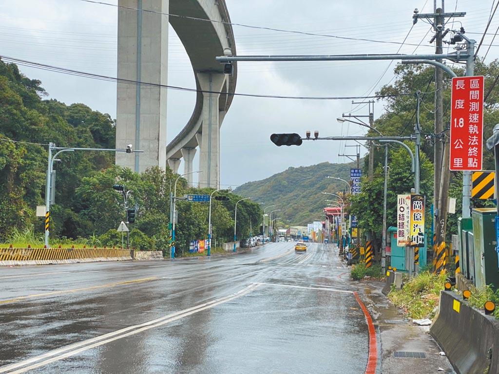 龜山區青山路二段的區間測速,3月31日至4月27日共開出433張超速罰單。(桃園市交通局提供/蔡依珍桃園傳真)