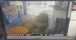 警巡邏巧遇通緝犯竟加速衝撞逃逸 警開槍追捕