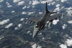 不到兩周內第2次!美F-16戰機驚傳墜毀 駕駛受傷