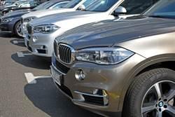 BMW停5個月無人開 網見「恐怖車牌」秒懂:小偷也怕