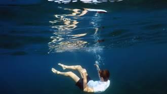 應徵酒店工作聊到忘我 隨行4歲男童溺斃泳池