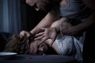 鮮肉弟半夜溜進60歲老婦床硬上 遭咬命根子反擊才惶恐逃逸