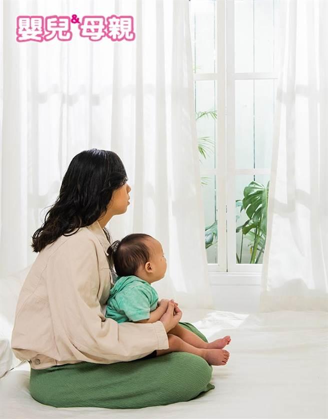 無論是爸爸或者媽媽都有可能有「產後憂鬱症」。(圖/嬰兒與媽媽提供)