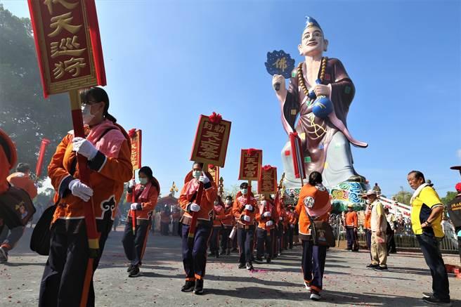 旗山天后宮4年一次的繞境活動於14日展開,首日巡境範圍以旗山東區為主。(林雅惠攝)