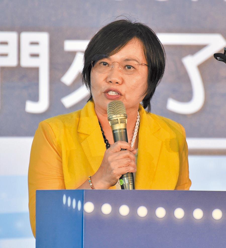 民進黨立委劉世芳祝福台灣中油足球隊邁向國際。(林瑞益攝)