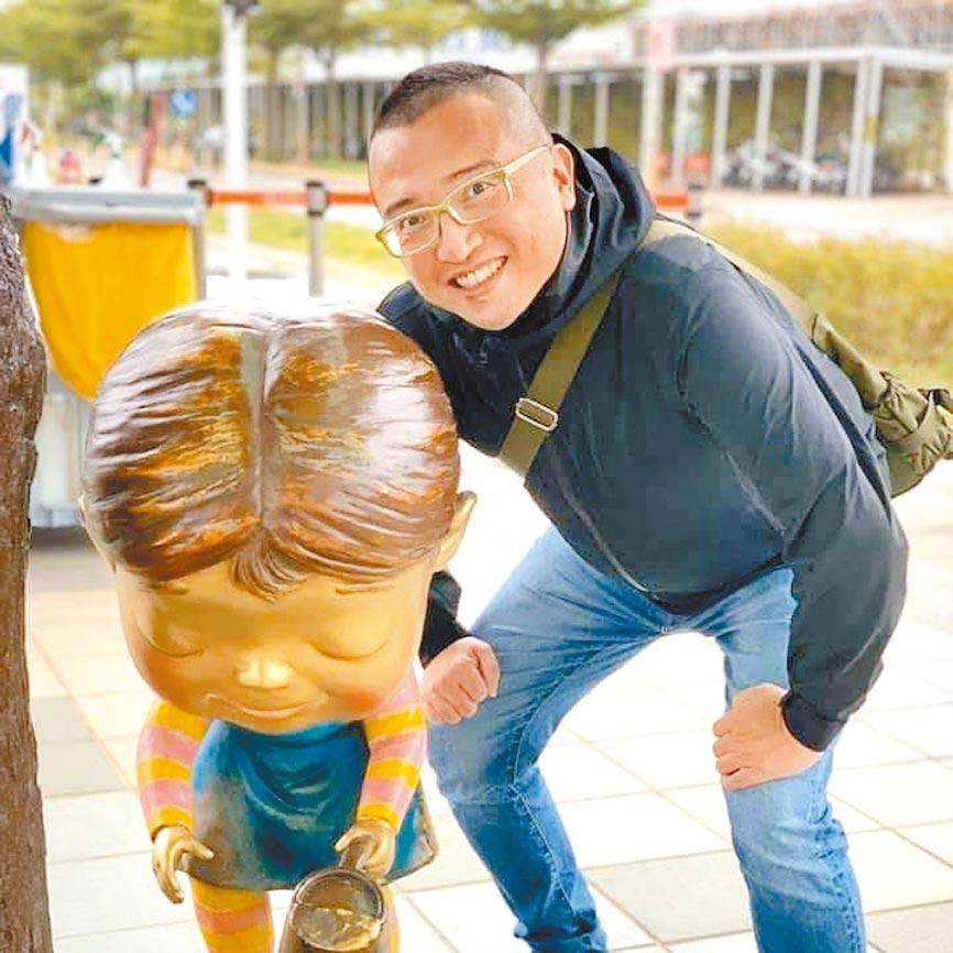 台北市政府顧問周榆修將出任社會局長,不僅是為市長柯文哲布局總統大選,更傳出柯安排周參選北市士林、北投議員。(摘自周榆修臉書)