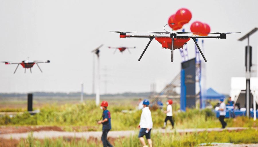 2020年天津濱海新區「金錘杯」首屆無人機飛行應用技能大賽現場。(劉乃文攝)