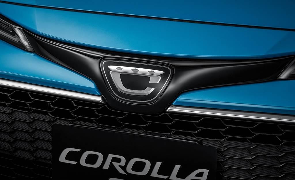 車頭搭載日規COROLLA Sport專屬廠徽,讓人一眼就看出日本生產之純正血統