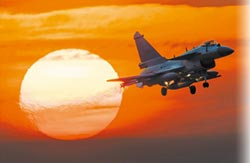 殲-10C產逾200架 晉升陸王牌戰機