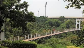 吊橋大王最後遺作 華陽吊橋垂吊索更換全面封橋