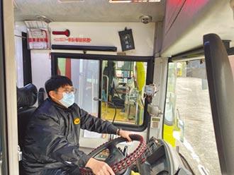 防危險駕駛 80輛公車裝預警系統