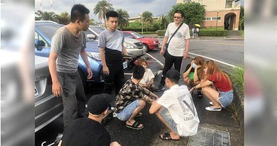 警方發現阮嫌車輛形跡可疑,儼然是神出鬼沒的「毒品快餐車」,上月底在淡水漁人碼頭將他們逮捕。(圖/翻攝畫面)