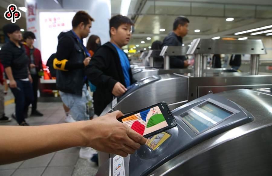 台北捷運推出「捷運常客免費早餐大放送」抽獎活動。(本報資料照片)