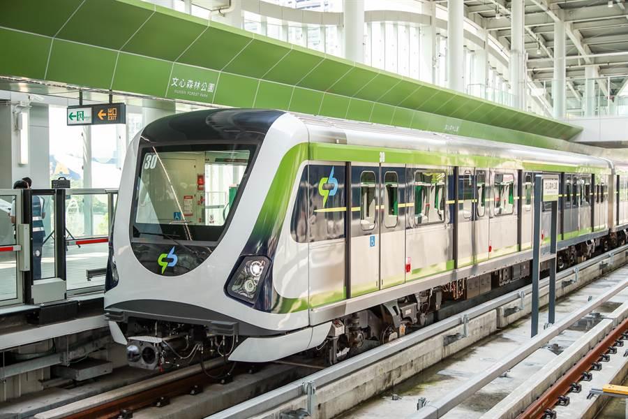 台中市捷運綠線將在年底通車,市政路擁有捷運搭乘方便的交通動線。(盧金足攝)