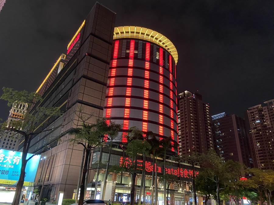 台中市人潮帶來錢潮,位在七期商圈的百貨公司密度最高。(盧金足攝)
