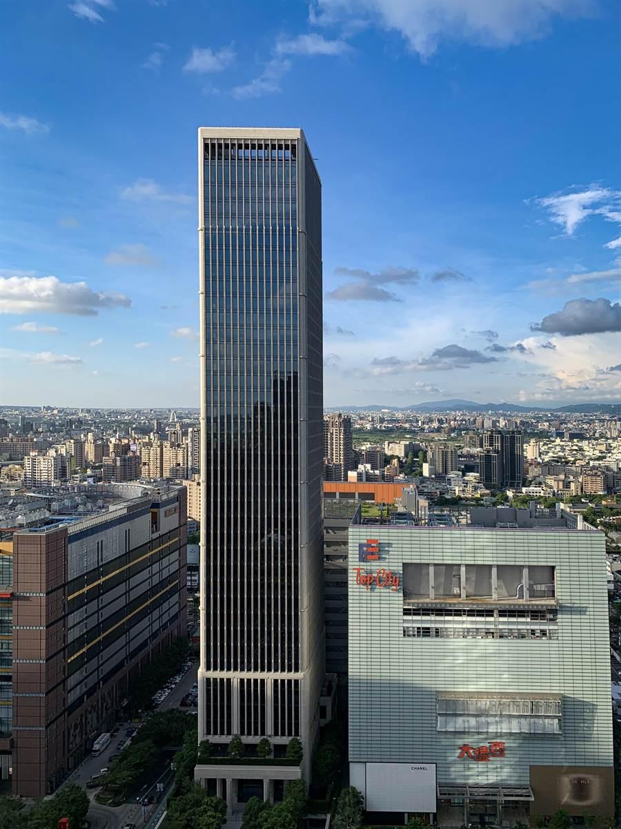 「聯聚瑞安大廈」將繼中部頂級豪辦聯聚「中雍大廈」,成為七期市政路豪宅新地標。(盧金足攝)