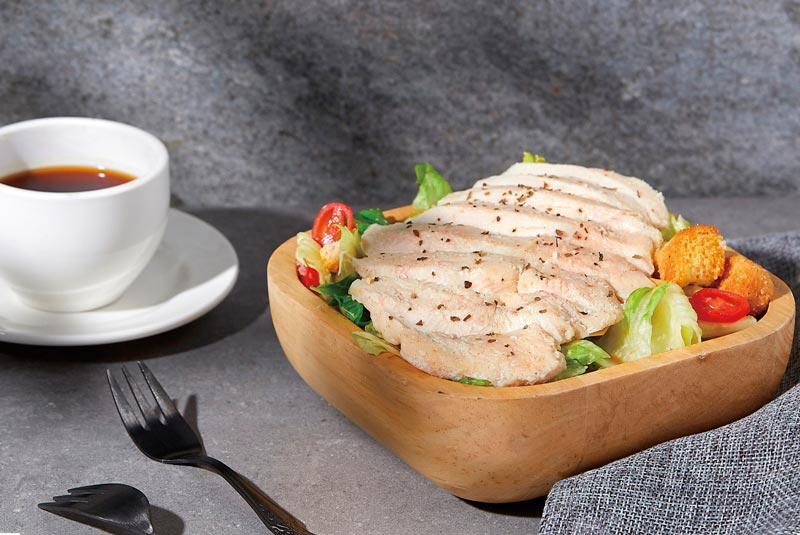 洽富出品的清爽氣冷舒肥雞胸是夏日輕食好選擇。圖/洽富提供