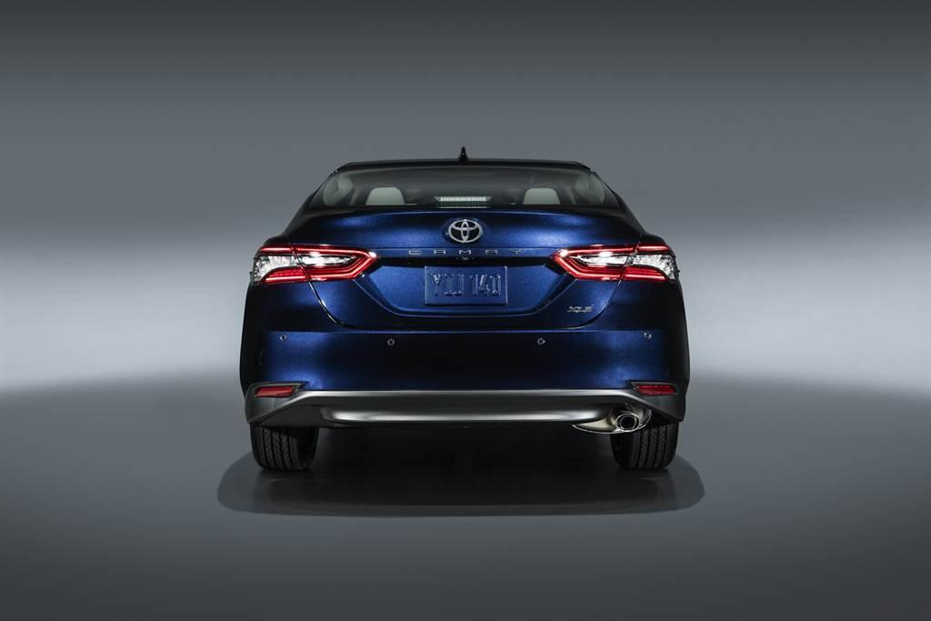 新增 TSS+ 2.5、懸浮式 DA 螢幕主機,2021 Toyota Camry 小改款亮相!