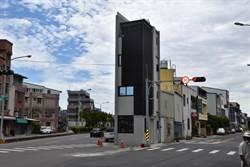 竹南鎮公所召集會勘 張藥房爭設防撞安全島