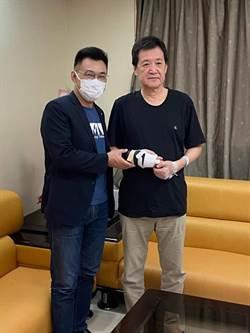 立院衝突受傷 費鴻泰:韌帶重建手術順利 愈挫愈勇