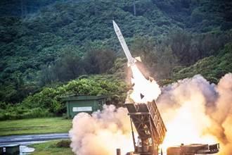 影》漢光演習三軍反登陸作戰 9輛雷霆2000壯觀齊射
