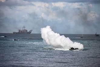 海軍陸戰隊聯合登陸操演 陸航扮反登陸