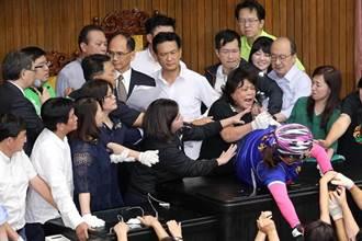 為幫韓國瑜報仇?綠委嘆國民黨:把陳菊糟蹋到這個地步
