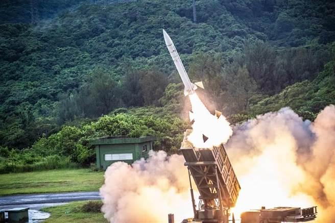 漢光演習,空軍防空部射擊天弓一型防空飛彈。(國防部提供)