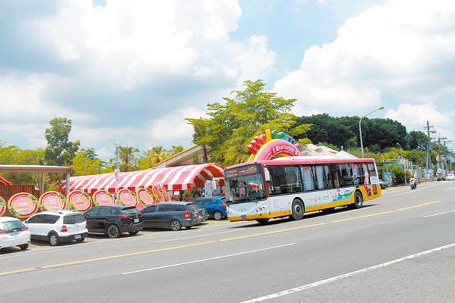 大台南假日觀光公車山博線因串聯山區3大博物館景點,被打造成大台南最具科普知識的公車路線。(交通局提供/洪榮志台南傳真)
