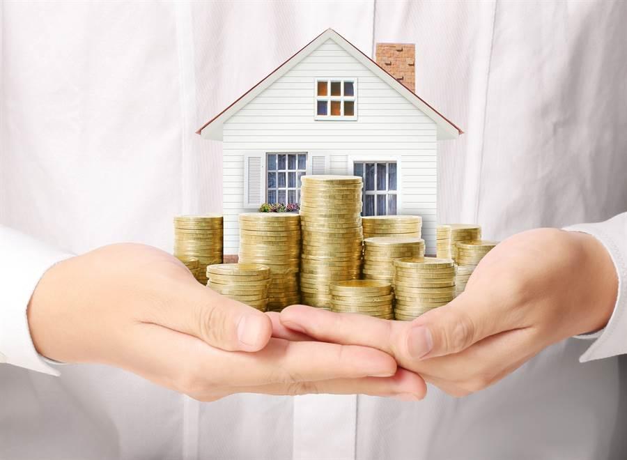買房首購年齡延後…你該做好哪些保障,更無憂追夢去?(圖/小花平台保險提供)