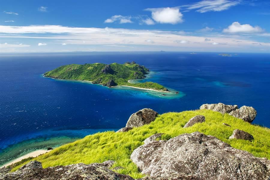 富翁在疫情期間網購,未登島只看影片,就花1.8億買下一座小島(示意圖/達志影像)