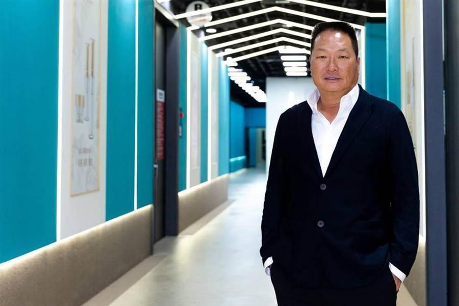 (東森集團總裁王令麟表示,無論在集團新零售或者新媒體事業上,始終秉持著「東森嚴選」的最高標準。圖/東森提供)