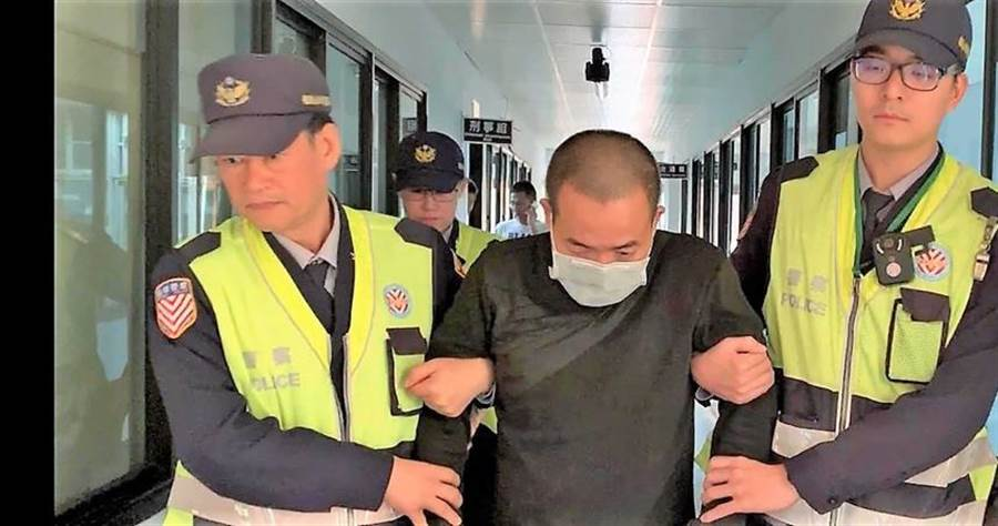 劉男在國道持刀砍殺妻子,事後向警方投案。(圖/報系資料照)