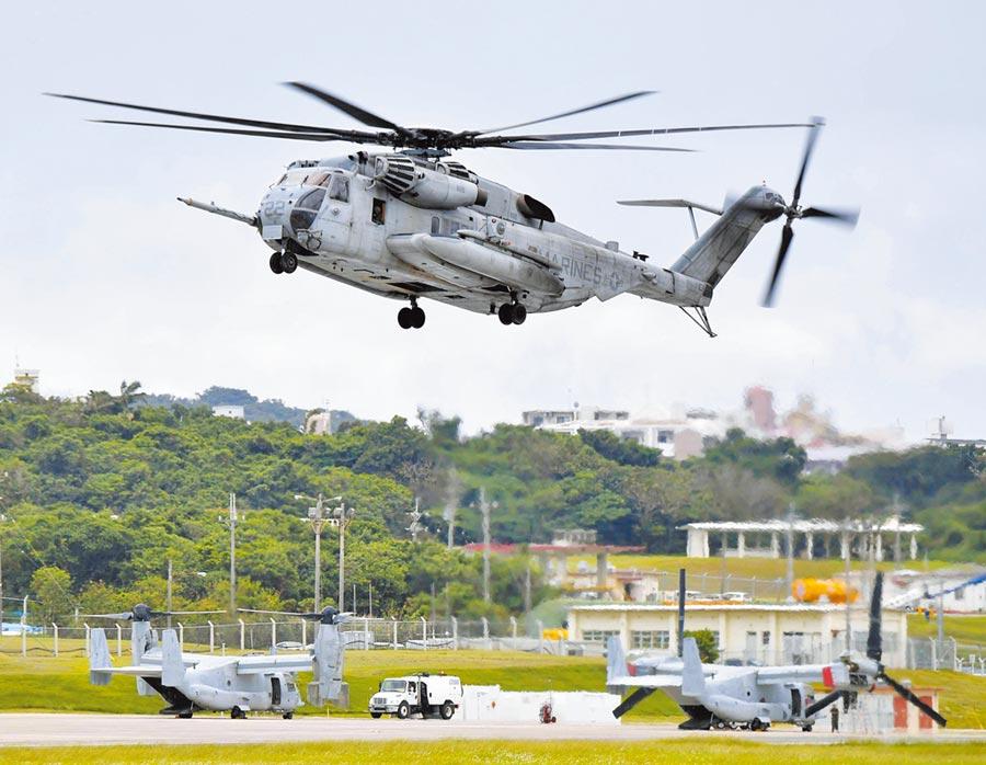 日本沖繩美軍基地驚爆因不符合防疫規定,高達136人染疫。(美聯社)